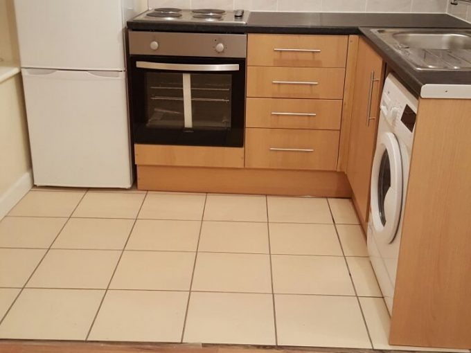 First Floor ONE BED FLAT £1150 PCM Inclusive Of Bills